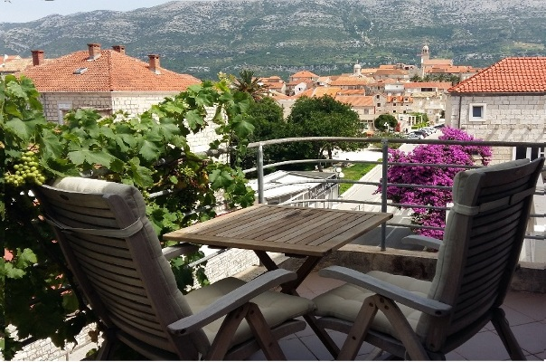 Apartments Keti Korcula, view on the old town Korcula, rooms with balcony